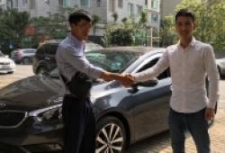 Bán ôtô online giữa đại dịch Covid-19 'Nhiều người quan tâm nhưng không mua'