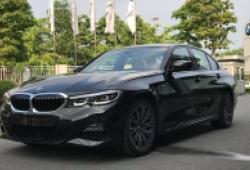 BMW 330i M-Sport về đại lý, giá bán 2,379 tỷ đồng