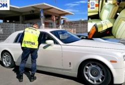 Chính quyền Italy thu giữ một chiếc Rolls-Royce Phantom vì có nội thất da cá sấu