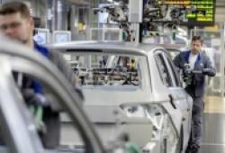 COVID-19 có thể khiến ngành ô tô mất hơn 100 tỷ USD