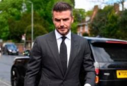 David Beckham bị tước bằng 6 tháng vì lái xe nghe điện thoại