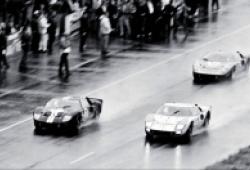 Ford v Ferrari: Chuyện về giải đua khắc nghiệt nhất thế giới và chiếc xe đua hay nhất lịch sử nước Mỹ