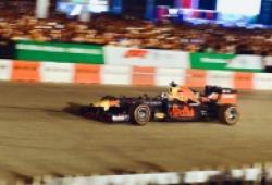 Giá vé F1 Việt Nam so với thế giới đắt rẻ ra sao
