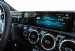 Hơn 342.000 xe Mercedes-Benz bị lỗi camera lùi