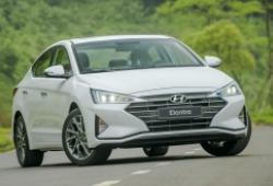 Hyundai Elantra đang giảm sốc tại đại lý