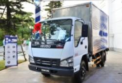 Isuzu tặng phí trước bạ và nhiên liệu khi mua các xe tải