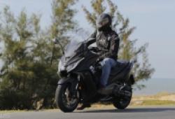 """Kymco AK550: Chiếc maxi scooter chạy phố hay đi xa đều """"sướng"""""""