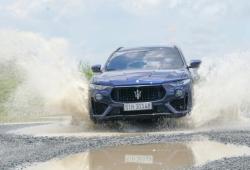"""Maserati Levante Grandsport: Xe đua """" gầm cao"""" dành cho người giàu"""
