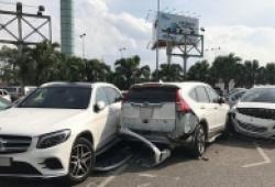Nam tài xế lái Vios tông liên tiếp 3 xe ô tô rồi tháo chạy