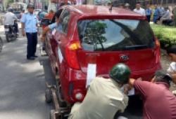 Ô tô được phép đỗ nửa xe trên vỉa hè từ 1/7