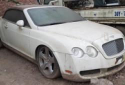 Siêu xe Bentley mui trần bị bỏ hoang tại Việt Nam