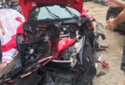 Siêu xe Ferrari 17 tỷ của Tuấn Hưng nát đầu vì tai nạn trên cao tốc Lào Cai