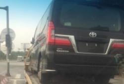 Toyota Granvia bất ngờ xuất hiện tại Việt Nam