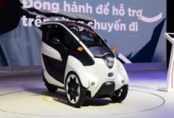 Xế 'lạ' Toyota i-Roadhút khách tại Vietnam Motor show 2018